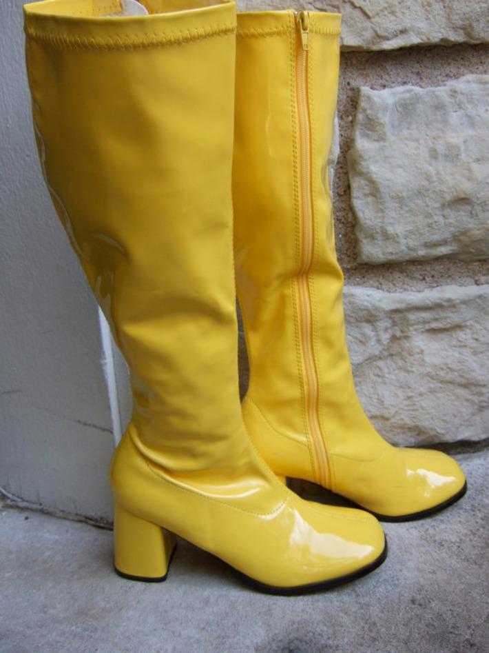 Vintage PVC Vinyl Banana Yellow Mod Style Boots | Kitsch | Scoop.it