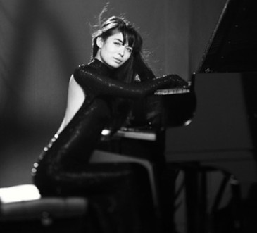 Pianist Ott shows dazzle and depth in recital debut - Chicago Classical Review | Songs in Piano | Scoop.it
