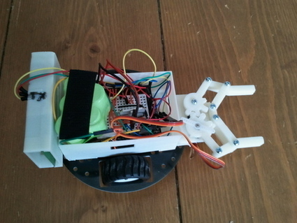 Watch-controlled Arduino robot claw | hobby robotics | Scoop.it