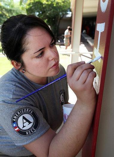 AmeriCorps team steps in to spruce up Bisbee High School | Sierra Vista (AZ) Herald | CALS in the News | Scoop.it