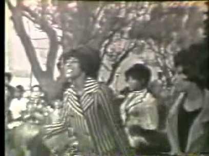 Martha The Vandellas 'Dancing in the Streets'   Damas sofisticadas   Scoop.it