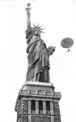 The Statue of Liberty: The 10 Weirdest Moments... | Strange days indeed... | Scoop.it
