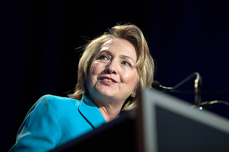 Hillary Clinton makes a splash in Chicago, but not an overtly political one - Christian Science Monitor | Current Politics | Scoop.it