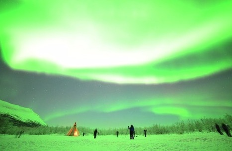 Time-Lapse Captures Astonishingly Bright Aurora Borealis Over Sweden | MediaMentor | Scoop.it
