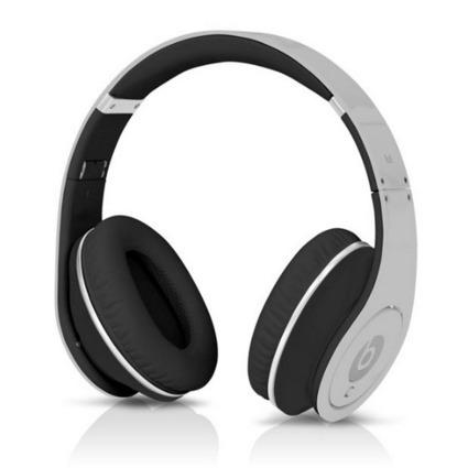 Cheap Beats Studio Black White Headphones [beats_studio_047] - $134.00 : Cheap Monster headphones   Our Music Headphones   Scoop.it