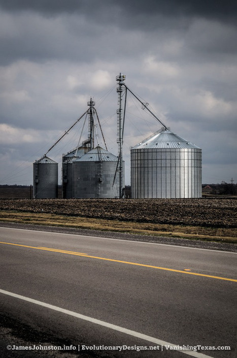 Grain Elevators and Grain Silos Near Frost, Texas | Photography | Scoop.it
