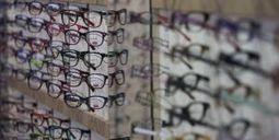 Prix des lunettes : l'ordonnance choc de Benoît Hamon - metronews | veille optique concurrents | Scoop.it