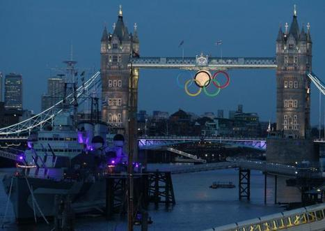 TONY POTTS: Check it OUT!  Full Moon Rises at Tower Bridge | Olympics 2012 | TonyPotts | Scoop.it