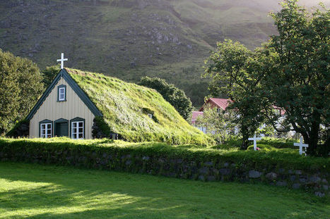 19th Century House of Worship Is Last Remaining Green-Roofed Church in Iceland | Le It e Amo ✪ | Scoop.it