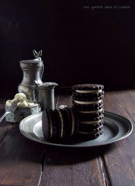 #RECIPE - Homemade Oreo Cookies with White Chocolate-Coconut Cream Filling | Chocolate | Scoop.it