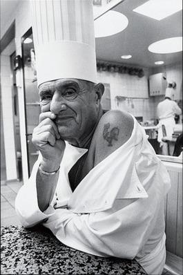 Paul Paul Bocuse fête ses 90 ans, le » Feu Sacré » veille sur la gastronomie mondiale – Bon Anniversaire » Monsieur Paul « | MILLESIMES 62 : blog de Sandrine et Stéphane SAVORGNAN | Scoop.it