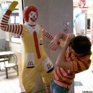McDonald's dévoile tous les additifs utilisés dans ses produits | Toxique, soyons vigilant ! | Scoop.it