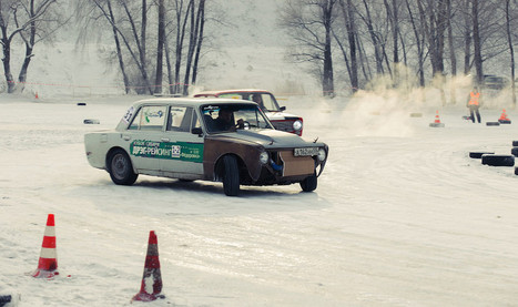 Drifting Ladas in the Snow Looks Like Insane Fun | Motor Verso Car News | Scoop.it