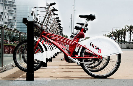 Ride For Your Life: In Barcelona, Bike Sharing Saves More Than Gas - Transportation - GOOD | Urban Life | Scoop.it