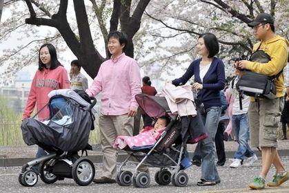 Corée : les femmes doivent travailler et faire des bébés | A Voice of Our Own | Scoop.it
