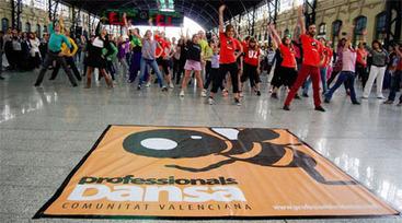 El sector de la danza denuncia el abuso laboral que sufren los bailarines de las compañías públicas - Doce Notas   Terpsicore. Danza.   Scoop.it