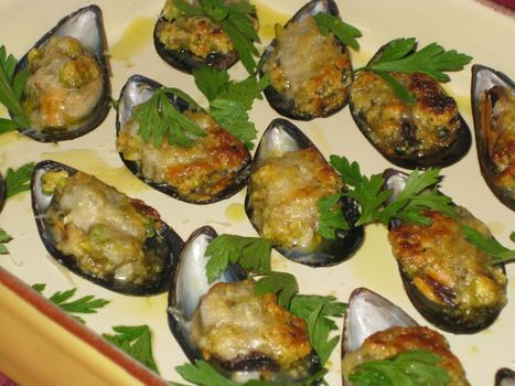 Mussels Baked with Nut Pesto for Christmas Eve   Le Marche and Food   Scoop.it