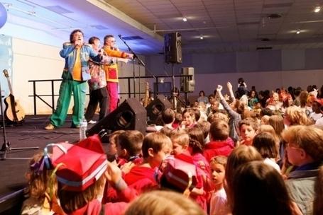 700 danseurs pour le carnaval de La Grand-Font [vidéo]   Mairie d'Angoulême   Scoop.it