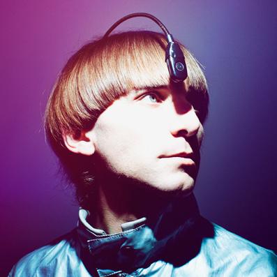 Cyborg artist Neil Harbisson uses his Eyeborg to listen to colour | Cyborg | Scoop.it