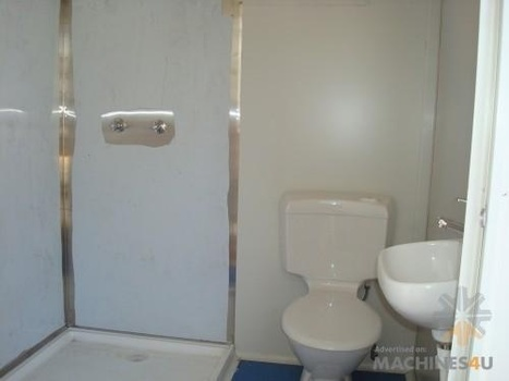 Group 2.4x2.4m Shower/ Toilet for Sal | Farm Machinery | Scoop.it