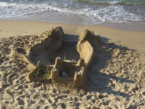 Είναι κακό στην άμμο να χτίζεις παλάτια | gatoulos | Scoop.it