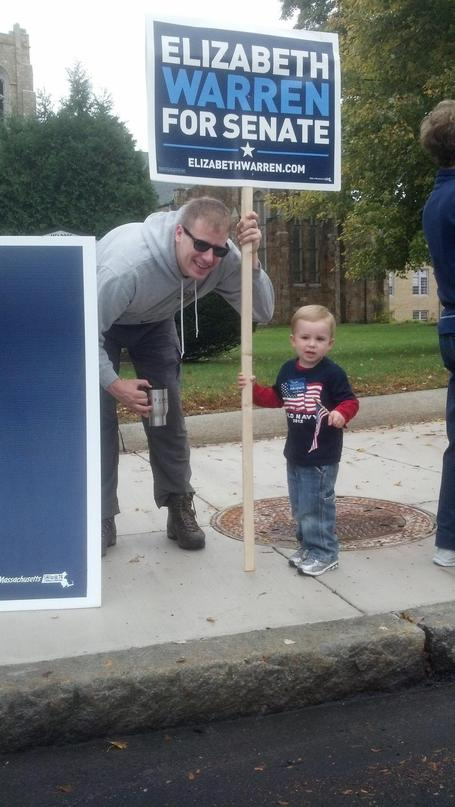 photo: 2 year old Noah with @Zwirko at the Melrose rally for @elizabethforma! Sat Oct 20 | Massachusetts Senate Race 2012 | Scoop.it