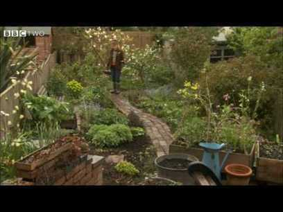 alys fowler edible garden - YouTube | Discover Sigalon Valley - Where the Tags are the Topics | Scoop.it