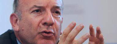 Pierre Gattaz relance le débat sur le niveau du SMIC   Lets Talk Finance France   Scoop.it