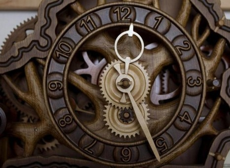 Belarusian Woodcarver Makes Intricate Clocks Exclusively from Wood | Strange days indeed... | Scoop.it