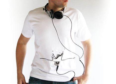 Playful t-shirts that let you wear your iPod | Gadgetism | Scoop.it