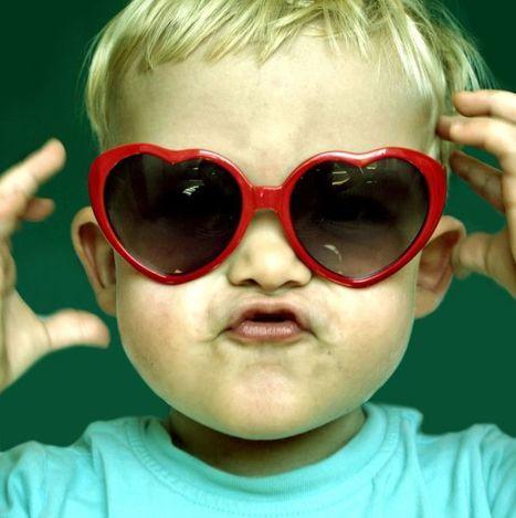 El uso de gafas de sol 'de juguete' puede provocar daños oculares en los niños | Salud Visual 2.0 | Scoop.it