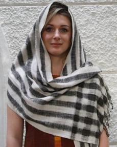 Handwoven Eri silk Black stoles Online India | GoCoop.com | Handlooms India | Scoop.it