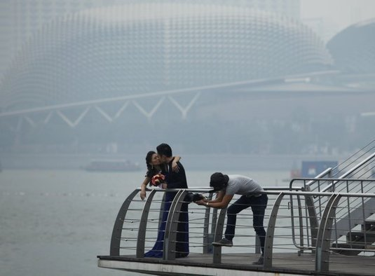Smoke from Indonesia Affecting Singapore and Malaysia