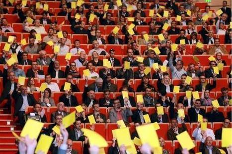 2 000 chefs d'entreprises adressent un carton jaune au gouvernement | Politique | Scoop.it