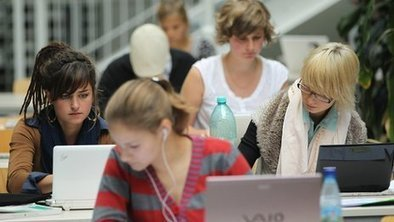 Laptop sales soar between A-levels and university | IBMicro | Scoop.it