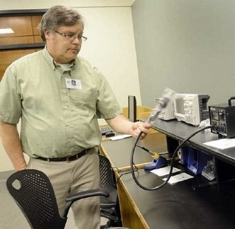 Library provides tools for the inventor - Fort Wayne Journal Gazette | Library design | Scoop.it