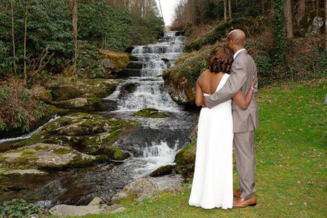 Gatlinburg Destination wedding at Serenity Falls   Bookmarking   Scoop.it