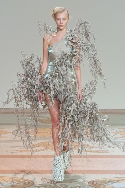 Iris van Herpen Haute Couture, today  a/w 2013 | ELLE | Additive Manufacturing News | Scoop.it