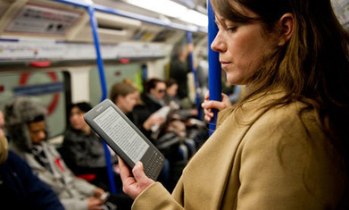 iPads and Kindles force newspapers further away from print | Technoculture | Scoop.it
