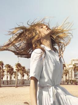 Eté : 3 astuces pour éclaircir ses cheveux sans aller chez le coiffeur - Grazia | Pour nos cheveux ! | Scoop.it