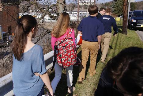 PA. student flashed 2 knifes, injured 20 | Vloasis vlogging | Scoop.it