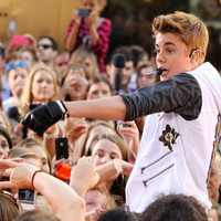 Woman Sues Justin Bieber for Hearing Loss She Claims Was Caused by Screams of Frenzied Fans | Gen's Rea: Crime & Punishment | Scoop.it