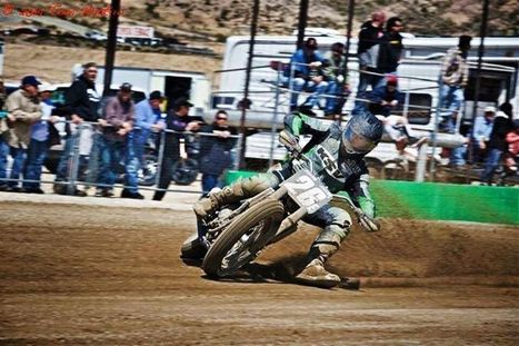 Dylan Morin getting sideways at Willow Springs. | California Flat Track Association (CFTA) | Scoop.it