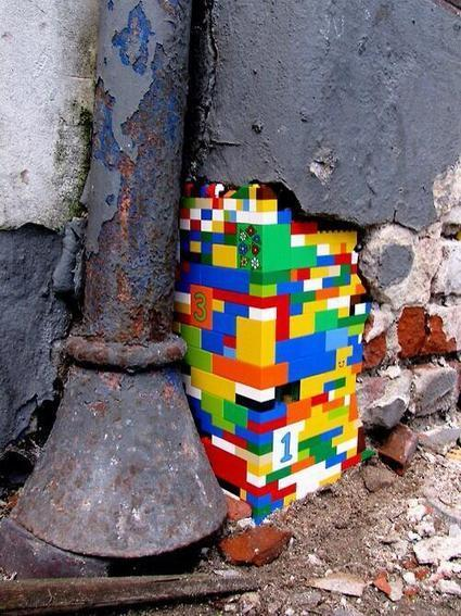 Lego Street Art by Jan Vormann  Berlin