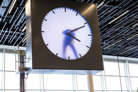 A New Clock at Amsterdam's Airport Features a Man Painting the Minutes by Hand | Navigate | Scoop.it