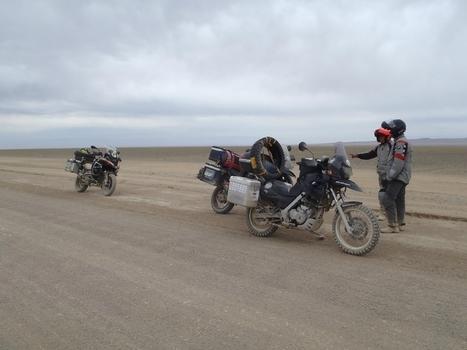Altaï à Kohvd : Encore des voyageurs - les tribulations d'Altaï et Khan | Les sites favoris de balade à moto | Scoop.it