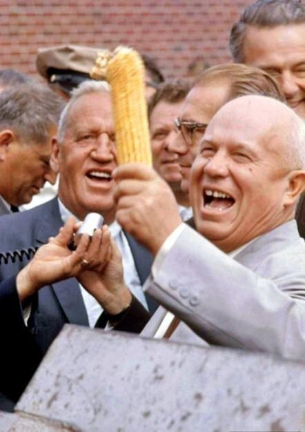 Khrushchev visits the USA, 1959   Vintage, Robots, Photos, Pub, Années 50   Scoop.it