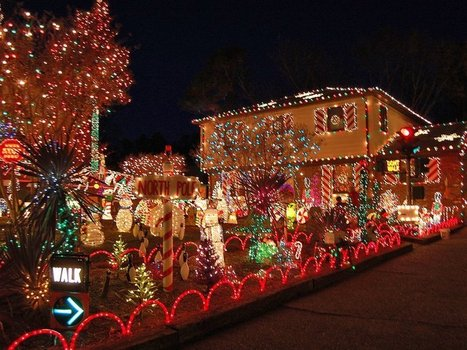 Extensive display of outdoor Christmas ornaments | Discussions and reviews of the latest photo printers | Scoop.it