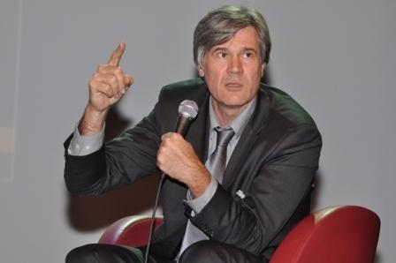 Agriculture : Stéphane le Foll veut ouvrir le débat au-delà des OGM | Abeilles, intoxications et informations | Scoop.it