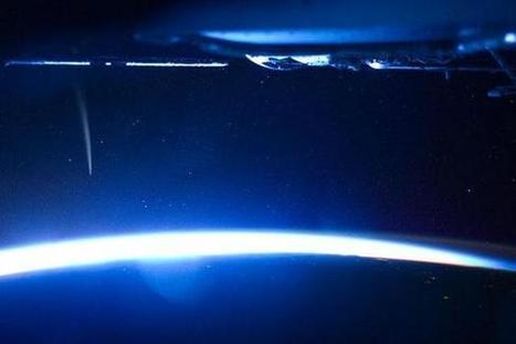 Spectacular Photos: Astronaut Sees Dazzling Comet From Space Station | Death-Defying Comet Lovejoy | Comet Photos & Astronaut Photography | Space.com | KgTechnology | Scoop.it